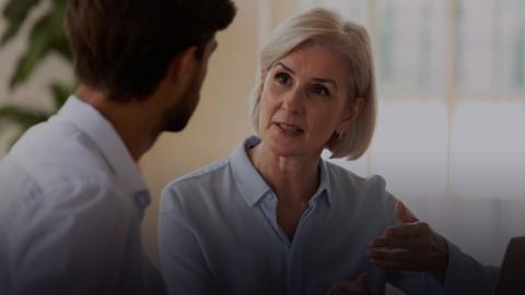 Jak prowadzić trudne rozmowy z kadrą pedagogiczną? Praktyczne techniki na przykładzie potrzeb nauczycieli podczas zdalnego lub hybrydowego nauczania