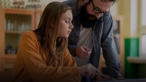 Nowa rola wychowawcy - wsparcie  ucznia i jego rodzica w wyzwaniach jakie wygenerowała obecna zmiana
