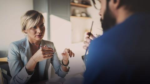 Jak prowadzić trudne rozmowy z dyrektorami podległych jednostek